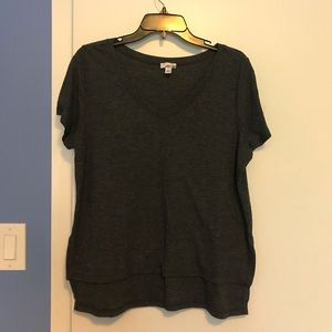 Gray sweater material v neck shirt, high-low